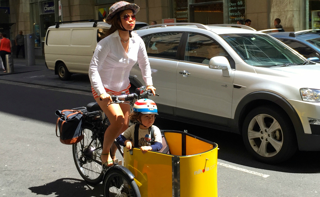 Riding Electric-Assist in Sydney with Sarah Imm