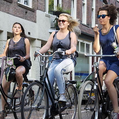 The Secrets to Cycling Like An Amsterdammer