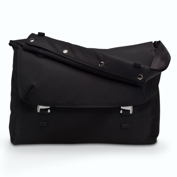 Nau Motil Commuter Messenger Bag Review