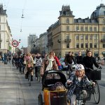 North America vs. Europe: Who Has the Best Plan for City Bikers?