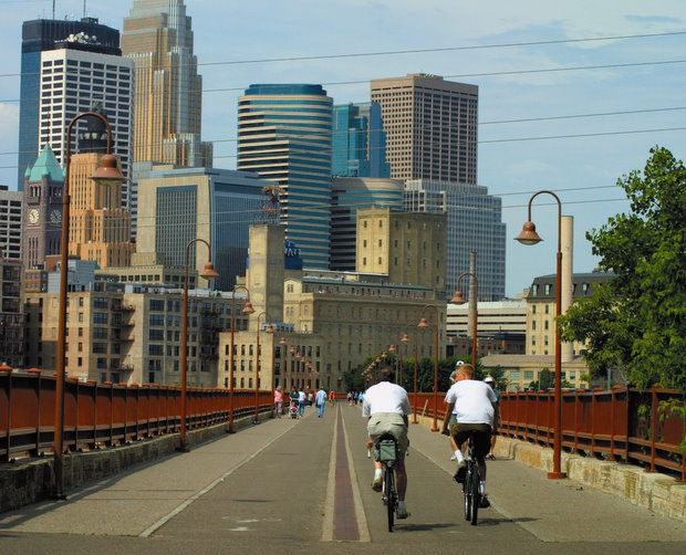 Explore Minneapolis By Bicycle
