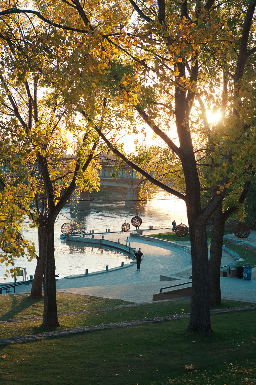 The Assiniboine Riverfront walkway near The Forks market. Photo by Kyle Thomas