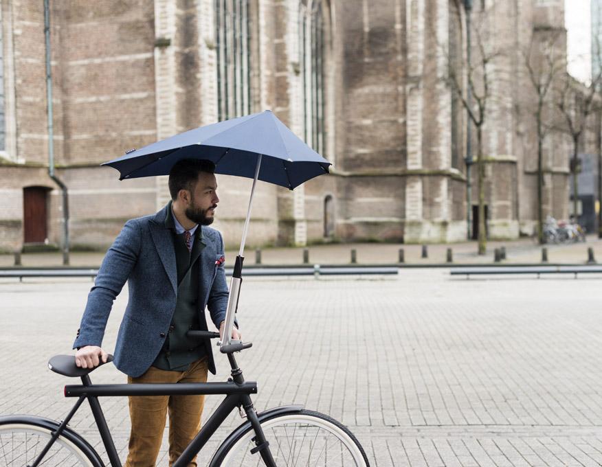 An Umbrella For Riding: The Senz Umbrella Bike Holder