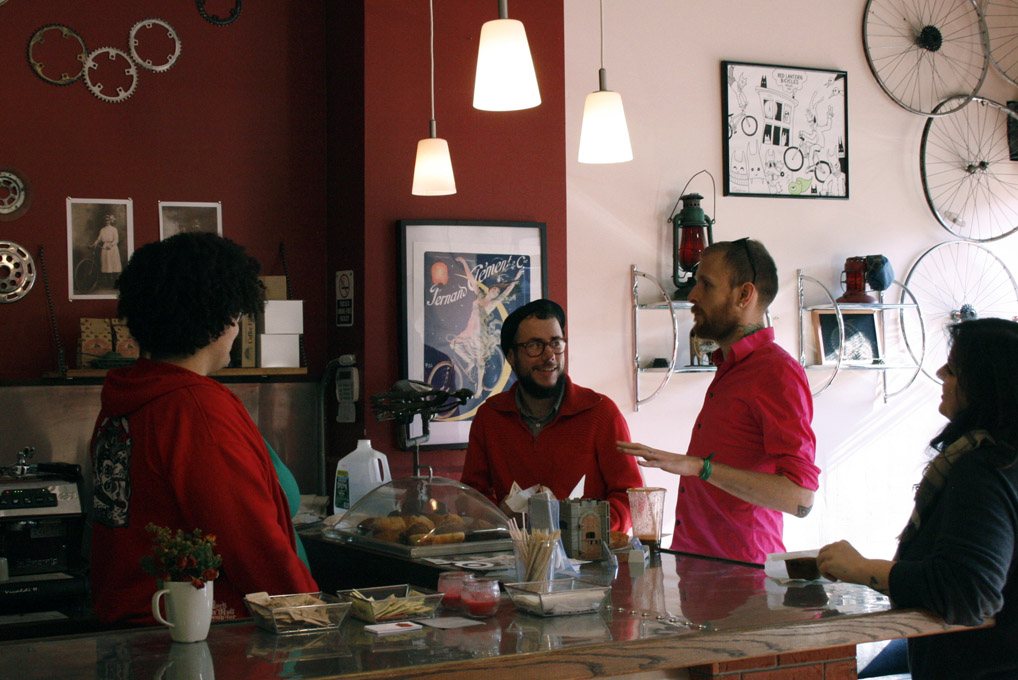 Red Lantern Cafe for Bicyclists Grows in Brooklyn