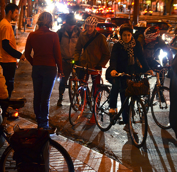 Lighting Up the Night Gives Bike Lights to San Francisco Riders