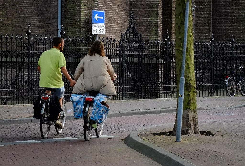 Riding hand in hand in Delft. Photo by David Niddrie