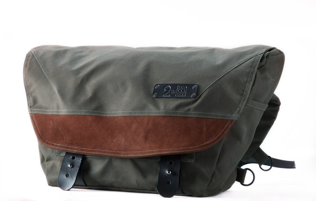 Two Wheel Gear The Heath Waxed Canvas Messenger Bag Review