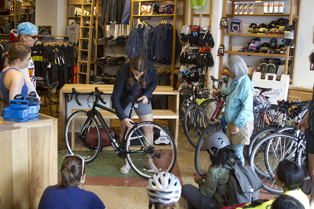 Can Women-friendly Bike Shops Save the Bike Retail Industry?