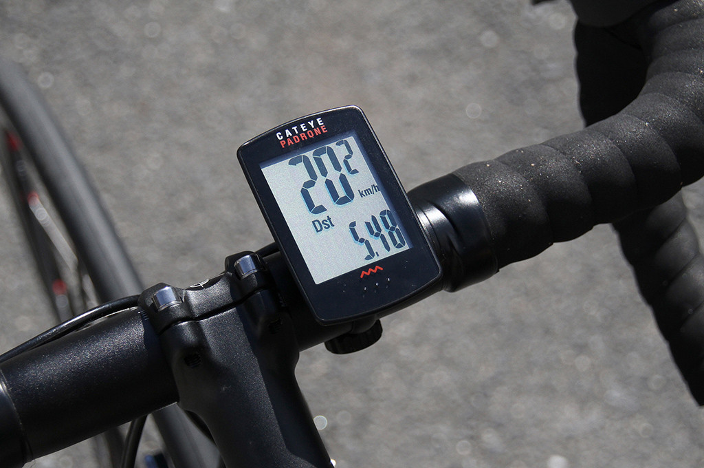 Cateye Bike Computer >> Cateye Padrone Cc Pa 100w Cycle Computer Review Momentum Mag