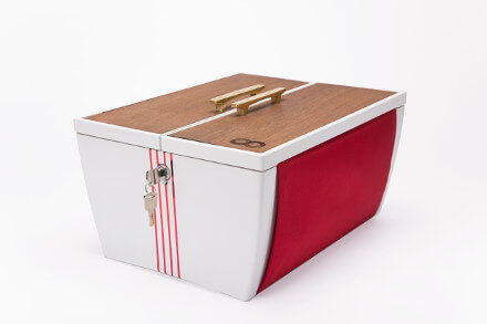 BucaBoot, Bike basket in red and white
