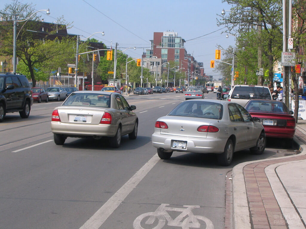 Toronto Considers Crackdown on Motorists Blocking Bike Lanes