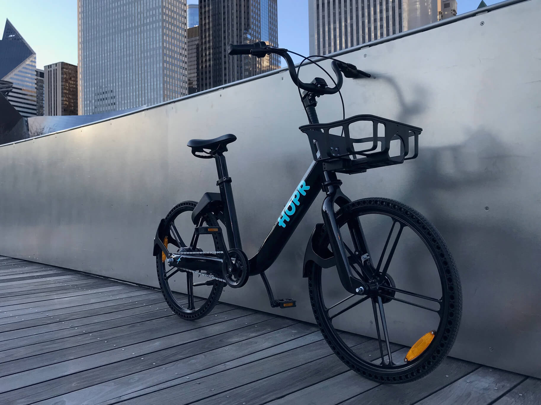 HOPR Introduces E-Bike for Bike Share with Portable Power Pack