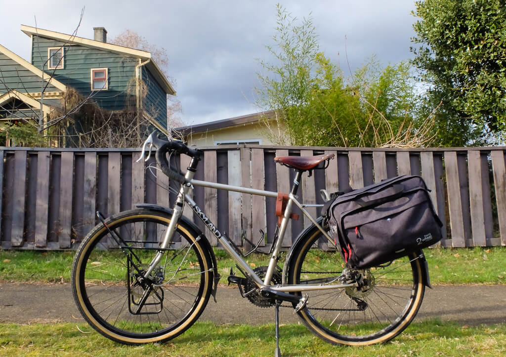 Two Wheel Gear bike briefcase review