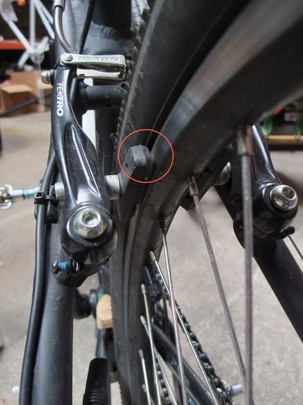 How to fix a buckled mtb rim