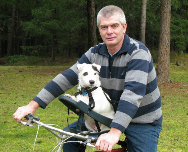 5 Ways To Carry Pets By Bike Momentum Mag