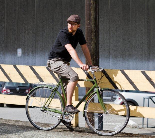 Linus Roadster Sport City Bike Review Momentum Mag
