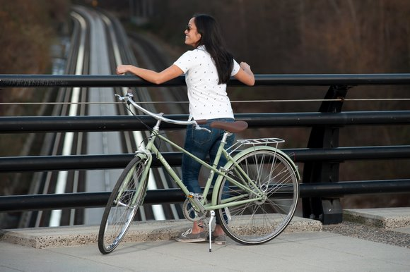mixte vintage frame design is the new trend in stylish city bikes momentum mag - Mixte Frame