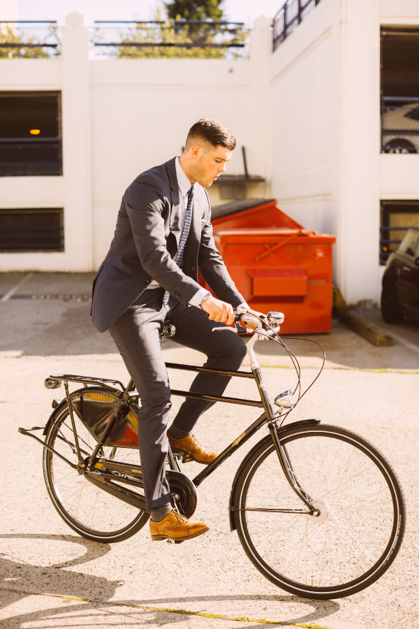 Riding A Bike In A Suit Made Easy How To Momentum Mag
